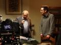El director Pedro Estepa prepara la secuencia con Emilio Gutiérrez Caba.